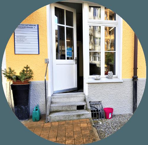 Coiffure-Antoinette-Sickingerstrasse-3-3014-Bern_Eingang_B-500Px
